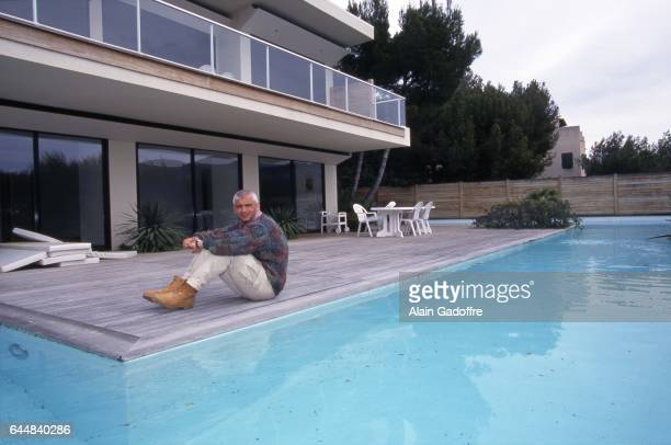 Fabrizio ravanelli stock photos and pictures getty images for Bord de piscine