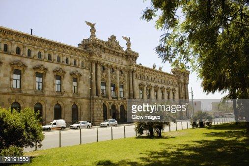 Facade of a building, Barcelona, Spain : Foto de stock