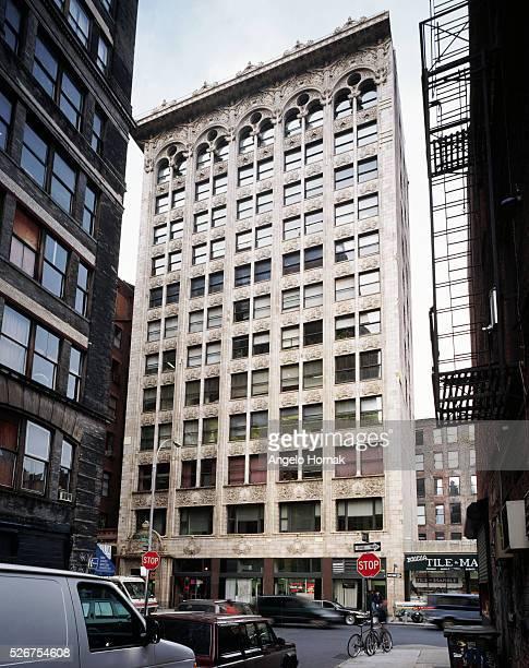 Facade of the BayardCondict Building