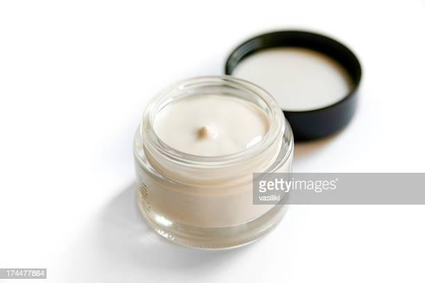 Crème pour le visage avec casquette
