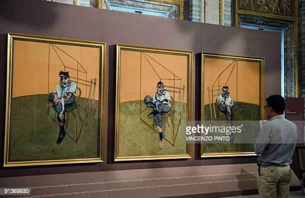 Face à face d'anthologie à Rome entre Le Caravage et Francis Bacon A Journalist looks at Francis Bacon's paintings ' Three Studies of Lucian Freud...