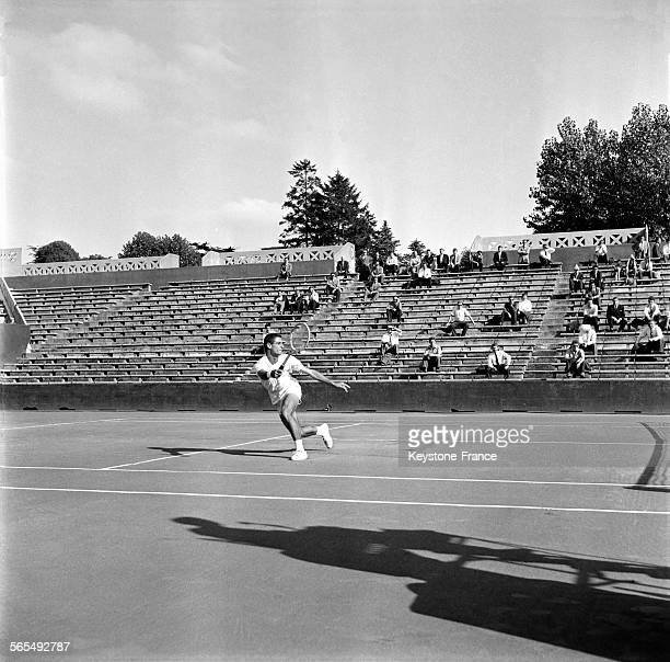 Coup droit stock photos and pictures getty images for Chaise arbitre tennis