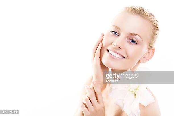 顔を花の女性
