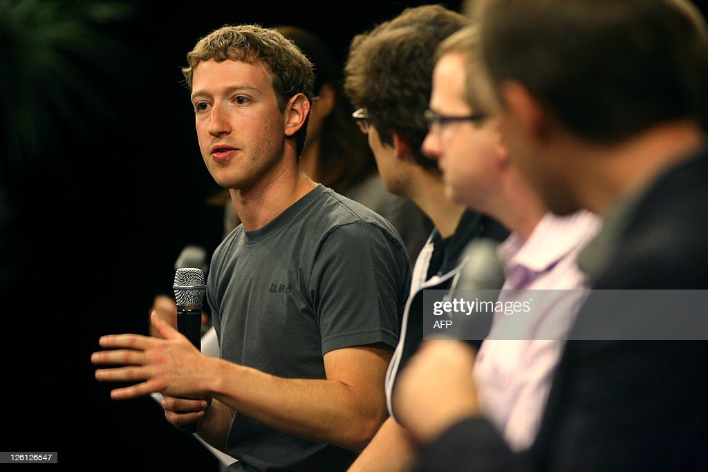 Facebook CEO Mark Zuckerberg describes Facebook's new applications during a press conference at the Facebook f8 Developer Conference at the San Francisco Design Center on September 22, 2011 in San Francisco, California. AFP PHOTO/Kimihiro Hoshino