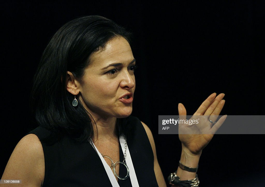 Facebook Chief Operating Officer Sheryl Sandberg talks to reporters during the Facebook f8 Developer Conference at the San Francisco Design Center September 22, 2011 in San Francisco, California. AFP PHOTO/Kimihiro Hoshino