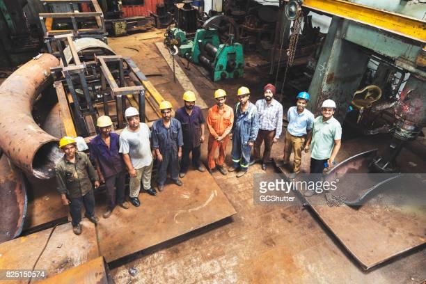 Mitarbeiter der Fabrik in Folge organisiert