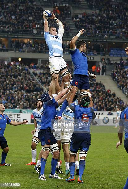 Facundo Isa of Argentina wins the lineout ball from Damien Chouly of France during the international friendly match between France and Argentina at...