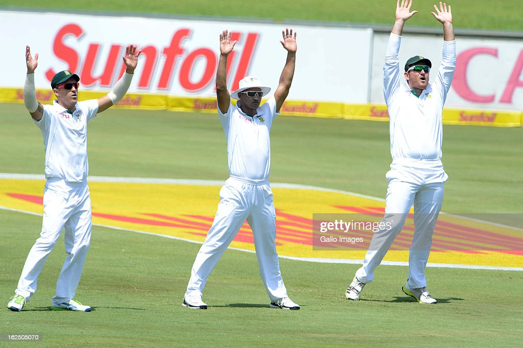Faf du Plessis, <a gi-track='captionPersonalityLinkClicked' href=/galleries/search?phrase=Alviro+Petersen&family=editorial&specificpeople=4969996 ng-click='$event.stopPropagation()'>Alviro Petersen</a> and <a gi-track='captionPersonalityLinkClicked' href=/galleries/search?phrase=Graeme+Smith+-+Cricket+Player&family=editorial&specificpeople=193816 ng-click='$event.stopPropagation()'>Graeme Smith</a> of South Africa appeal during day 3 of the 3rd Test match between South Africa and Pakistan at SuperSport Park on February 24, 2013 in Pretoria, South Africa,
