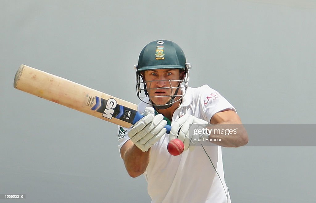 Faf du Plessis of South Africa bats during day five of the Second Test Match between Australia and South Africa at Adelaide Oval on November 26, 2012 in Adelaide, Australia.