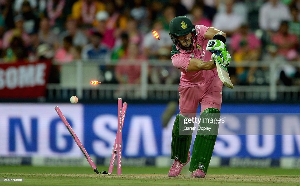 Faf du Plessis of South Africa is bowled by Chris Woakes of England during the 4th Momentum ODI between South Africa and England at Bidvest Wanderers Stadium on February 12, 2016 in Johannesburg, South Africa.