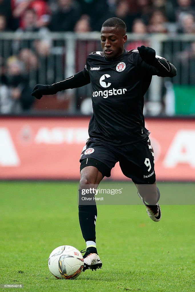 Fafa Picault of Hamburg in action during the Second Bundesliga match between FC St. Pauli and 1860 Muenchen at Millerntor Stadium on April 29, 2016 in Hamburg, Germany.