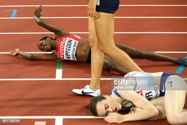 Faith Chepngetich Kipyegon of Kenya gold crosses the finish line in the womens 1500m final during day four of the 16th IAAF World Athletics...