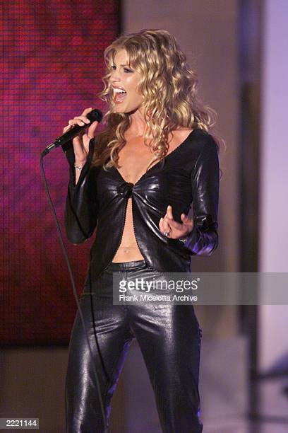 Faith hill pictures and photos getty images for Diva 2000