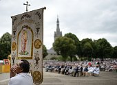 Faithful attend the 'Grand Pardon' religious procession on July 26 2016 in SainteAnned'Auray western France This Catholic pilgrimage which exists...