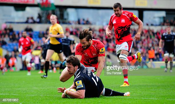 Falcons centre Adam Powell crosses for the first Falcons try during the Aviva Premiership match between London Welsh and Newcastle Falcons at Kassam...
