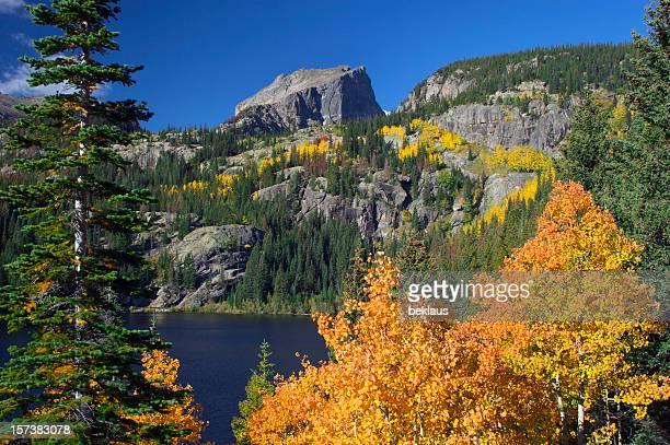 ロッキー山脈の秋の色