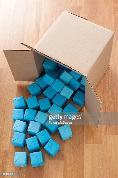 Blaue Würfel Fallen