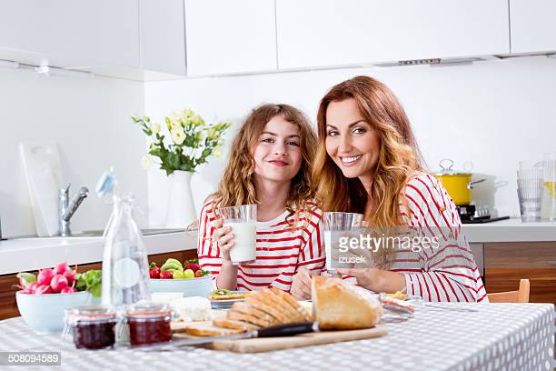Família pequeno-almoço