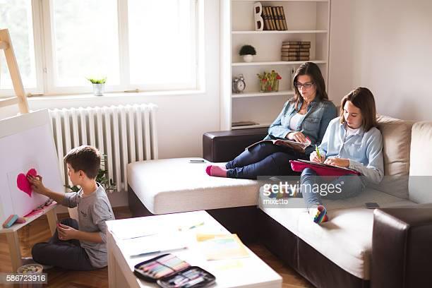 Famille profitant de chez vous