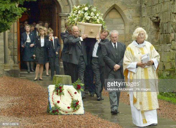 Family following the coffin of Alec Stewart at Culross Abbey Church Alec Stewart trained great Mtoto ridden by Michael Roberts to Ascot glory in 1988...