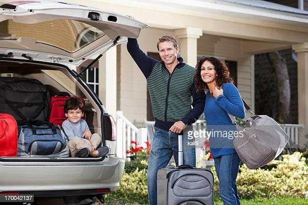 Famille va sur road trip