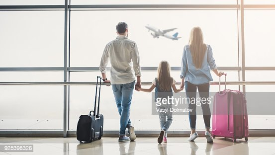Famille à l'aéroport : Photo