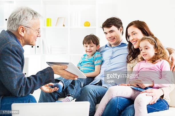 ご家族でのミーティング、ファイナンシャルアドバイザー