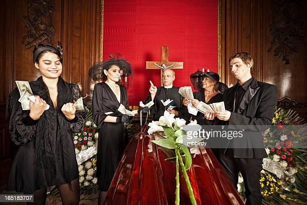 Familie um Geld Erbe auf Begräbnis