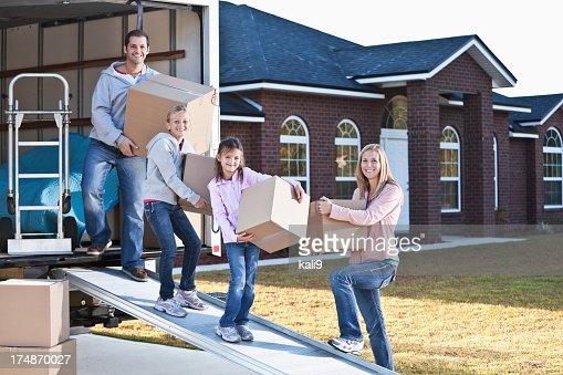 Família mudar de casa, Camião de descarga