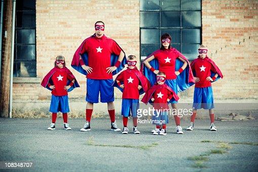 ファミリのスーパーヒーロー