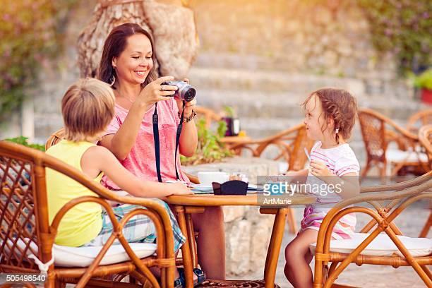 Famiglia su vacanze