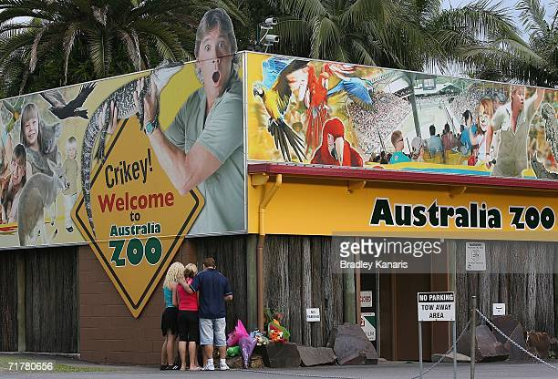 A family pays their respects to Steve Irwin known as the Crocodile Hunter at his famous Australia Zoo September 4 2006 in Beerwah on the Sunshine...
