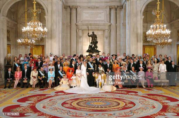 Family photo before the banquet at the Royal Palace