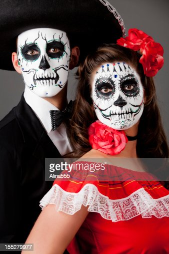 Family Picture Day Of The Dead Couple Stock Photo | Getty ...