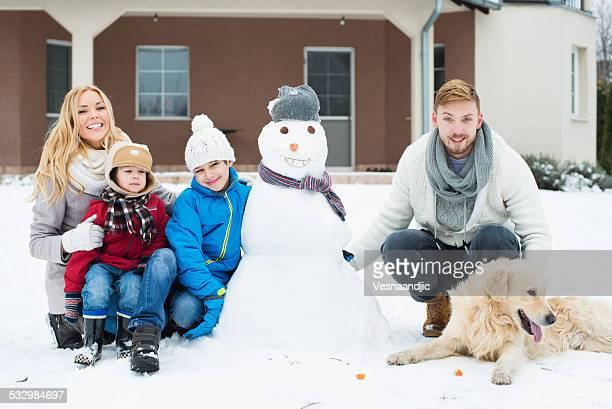 portrait de famille avec Bonhomme de neige
