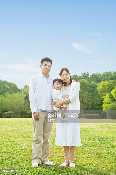 Family portraits at a park