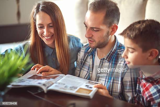 Family reeding magazine