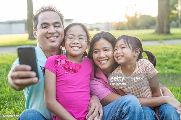 Famille Selfie dans le parc