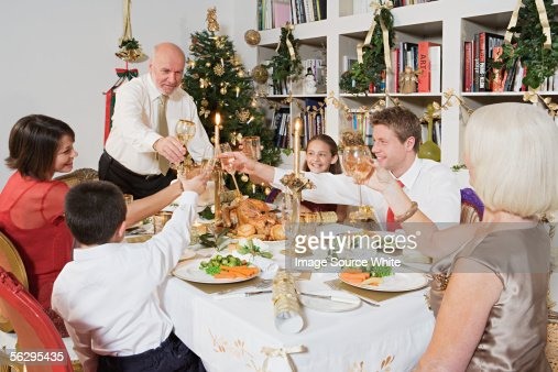 Family toasting at Christmas : Stock-Foto