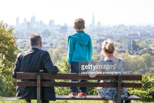 Family viewing London skyline : Stock Photo