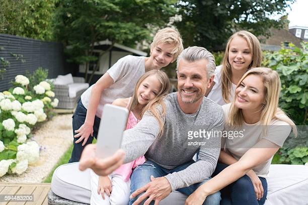 Familyt selfie with her family