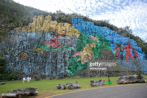 Valle de vinales stock photos and pictures getty images Mural de la prehistoria cuba