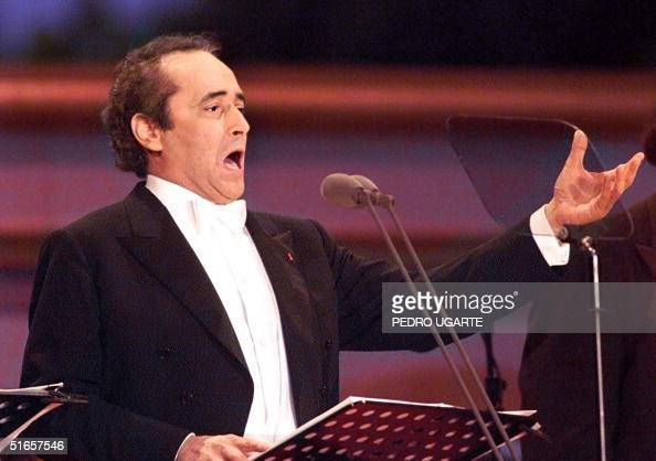 Famous tenor JosT Carreras performs late 10 July at the end of the 'Three Tenors' concert to mark the final of the football World Cup at the Champs...