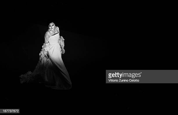 Fan Bingbing attends the 'Polisse' premiere at the Palais des Festivals during the 64th Cannes Film Festival on May 13 2011 in Cannes France