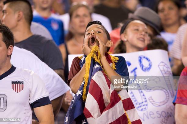 US fan cheers before the CONCACAF Gold Cup Quarterfinal game between the United State and El Salvador on July 19 2017 at Lincoln Financial Field in...