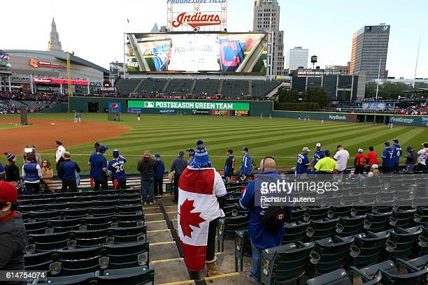 CLEVELAND ON OCTOBER 14 Fan Katie Meredith from Burlington Ontario shows her true colours as she watches the Jays at batting practice The Toronto...