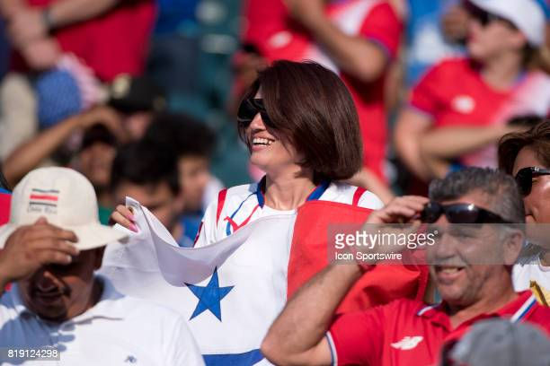 A fan of Panama cheers before the CONCACAF Gold Cup Quarterfinal game between Costa Rica and Panama on July 19 2017 at Lincoln Financial Field in...