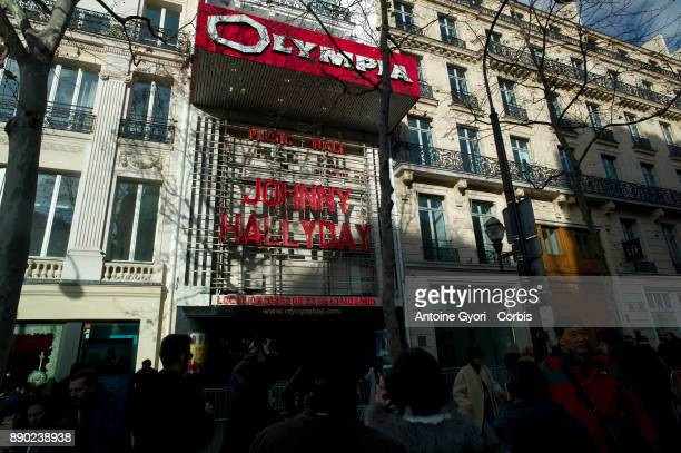 Fans are seen during Johnny Hallyday's funerals at Olympia Palace on December 9 2017 in Paris France France pays tribute to Johnny Hallyday the...