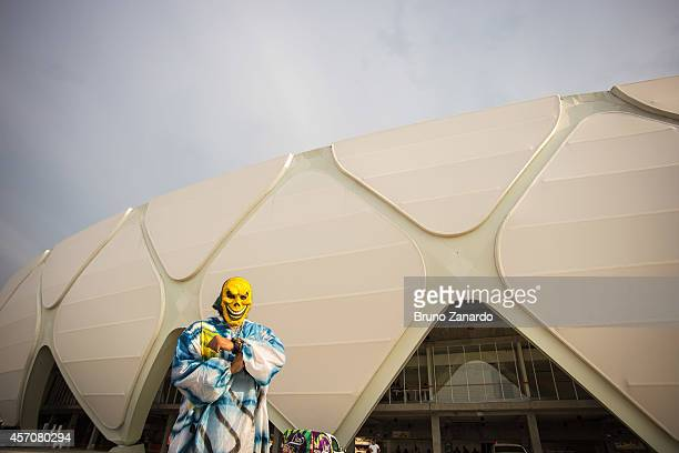 Fans arrive in Arena da Amazonia before the match between Corinthians and Botafogo as part of Brasileirao Series A 2014 on October 11 2014 in Manaus...