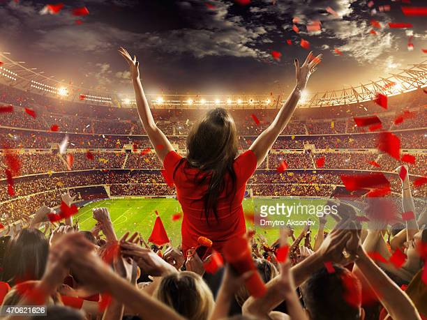 Fans beim Stadion